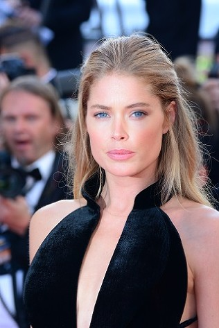 Doutzen Kroes Cannes Film Festival 2016 Opening Night Ismail Ghost premiere © Joe Alvarez