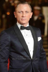 Daniel Craig attends the premiere of James Bond sequel