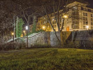 es-ist-nacht-im-festung-mark-park