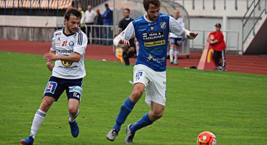 Tobias Mikaelsson i matchen mot Husqvarna på Rimnersvallen. FOTO: Susann Sannefjäll