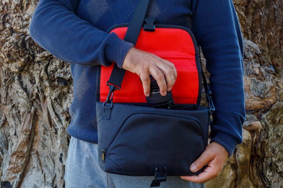 Foto torba za foto-aparat i rezervni objektiv