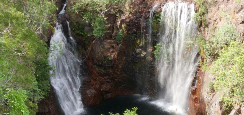Florence Falls in Australië Kakadu National Park waarbij je kunt zwemmen