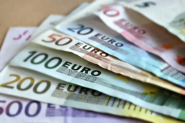 Stapeltje euros