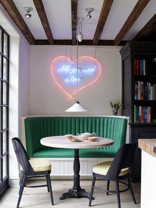 Neon verlichting in huis van gewaagd tot liefelijk  Ik