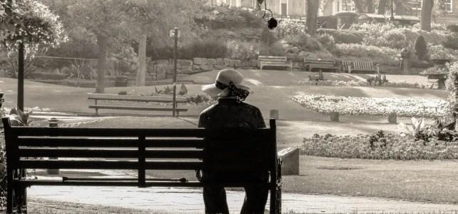 """Giornata persone vedove, Forum Famiglie: """"Scorporare pensione di reversibilità dal reddito e cumulare i contributi del defunto non goduti"""""""
