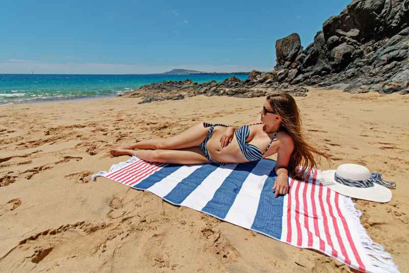 Stabilimento balneare: galateo ed etichetta anche in spiaggia abbronzatura