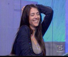 Raffaella Mennoia redattrice storica della redazione non si è sposata con Alessio Sakara.