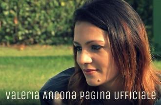 Foto di Valeria Ancona corteggiatrice a Uomini e donne di Andrea Cerioli