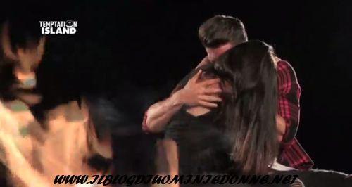 Claudia Merli e Dario Loda si baciano dopo Temptation Island