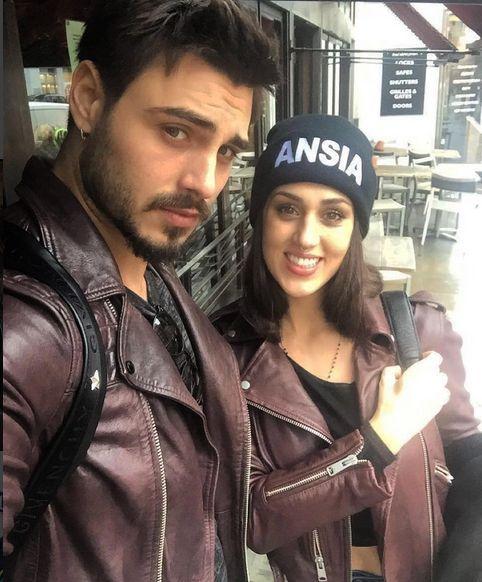 Francesco Monte e Cecilia Rodriguez due turisti a Londra
