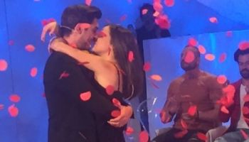 Bacio fra Eleonora e Oscar dopo la scelta.