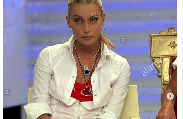 Karina Cascella il periodo più brutto della sua vita perchè