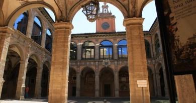 universita-bologna alma mater