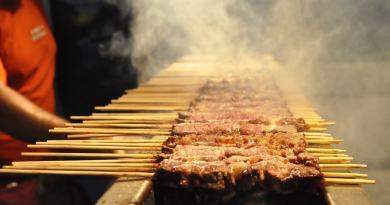 street-food-cibo-di-strada-italiano-arrosticini