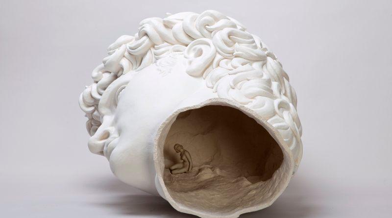 Andrea Salvatori, Testone, 2016, semirefrattario smaltato e porcellana