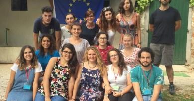 Yourope2018 Foto di gruppo con bandiera europea