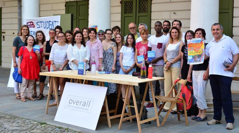 Overall Faenza multicultuale