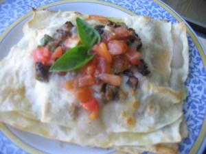 Lasagnette con melanzane, pomodori e mozzarella
