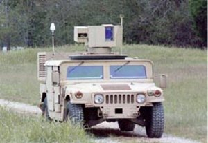 Laser ZEUS montato su Humvee.