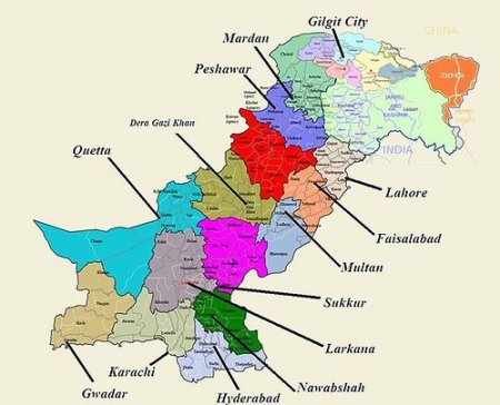 Una mappa del Pakistan che ne evidenzia le numerose divisioni amministrative.