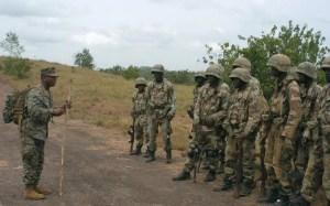 Addestramento di soldati nigeriani