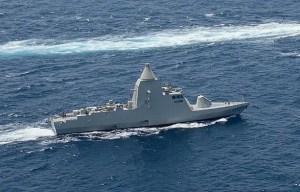 Il pattugliatore classe Falaj2, della marina degli Emirati Arabi, di produzione italiana.