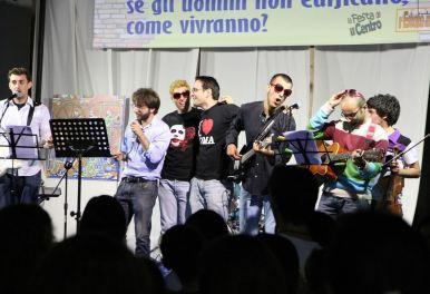 LA GRANDE CASA-Festa Canti01