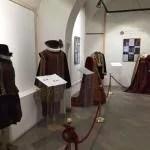 Gli abiti in mostra