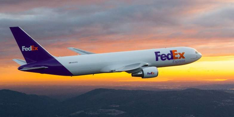 Case Study of Pioneer of Internet Business in the Global Transportation and Logistics Industry for FedEx - ilearnlot