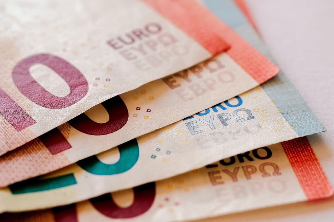 Meaning Definition Types and Advantages of Eurobonds