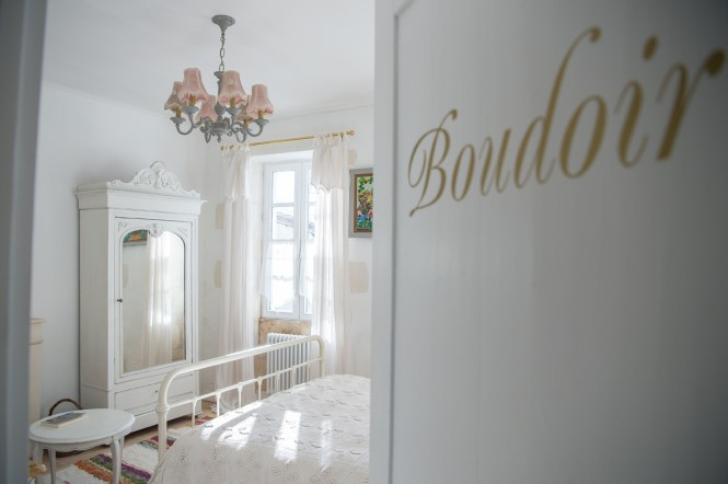 FRENCH_HOLIDAY_HOME_BEDROOM