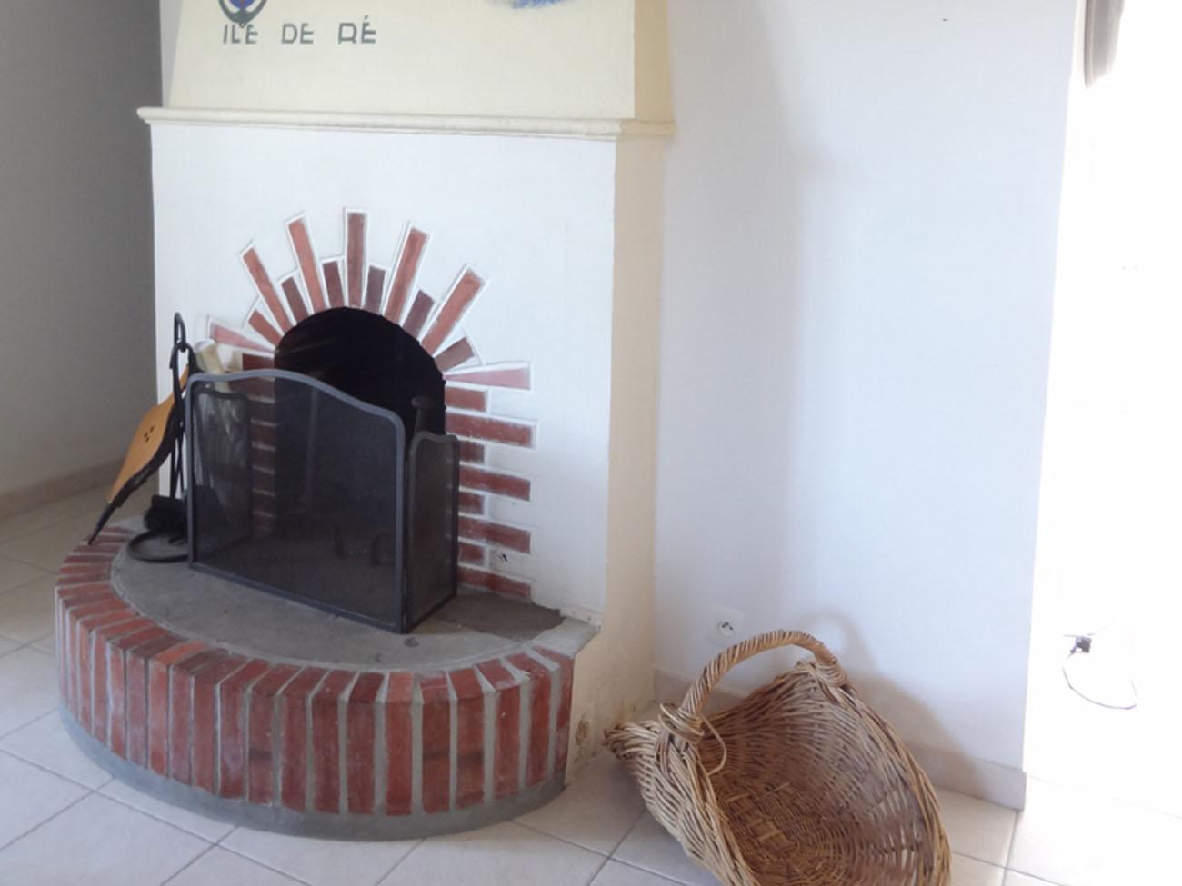 Location Maison Ile de Ré - Aumière - Cheminée
