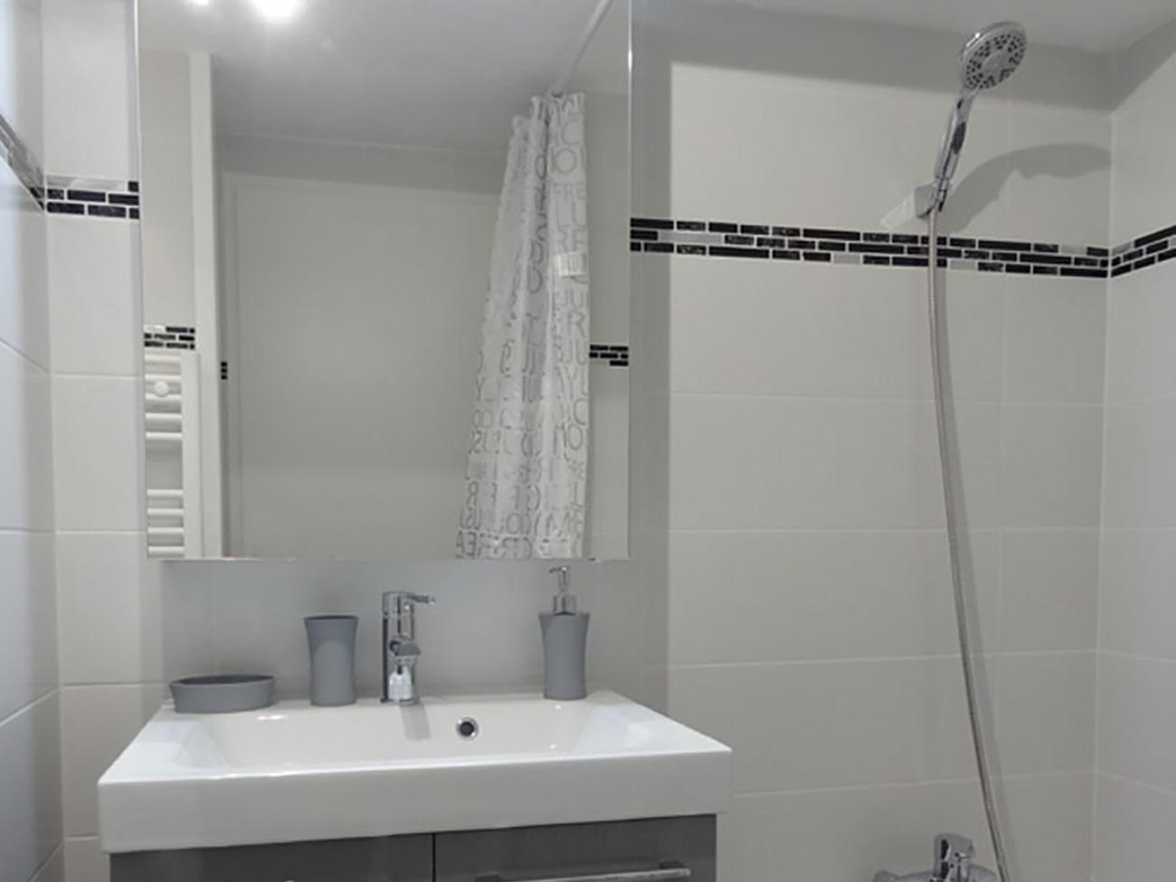 Location Appartement Ile de Ré - Palombe - Salle de bain