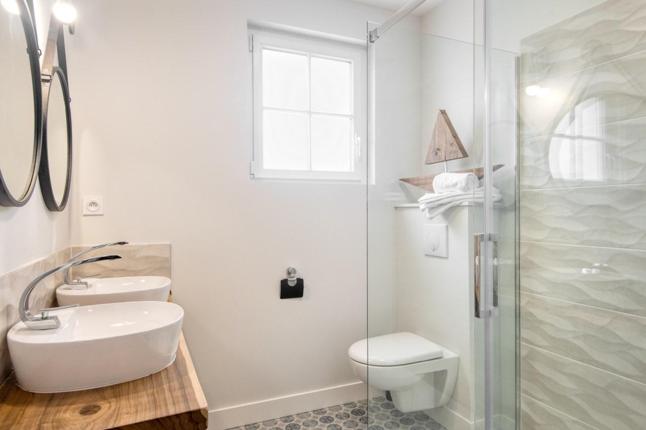 Location ile de ré salle de bains les burons