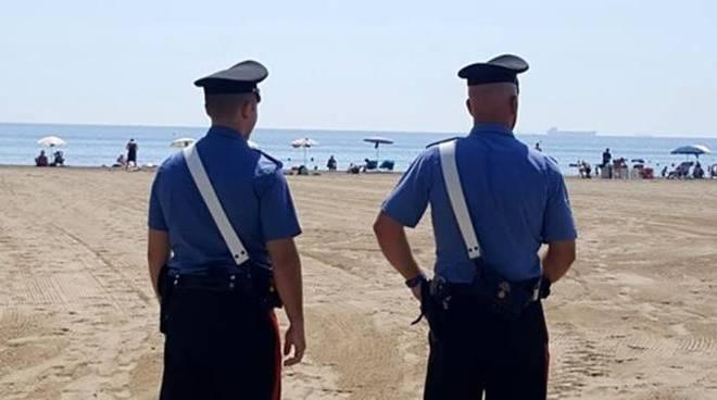 Truffe ai bagnanti sulle spiagge di Fregene, denunciate tre persone - Il  Faro Online