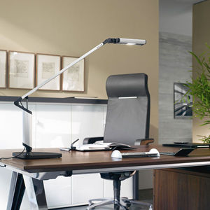 Lampade a basso consumo la svizzera invita a stare for Lampade da scrivania moderne