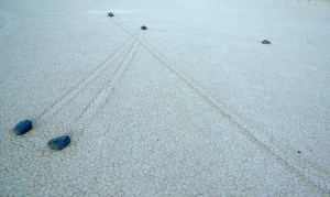 DEATH VALLEY - Svelato il mistero delle pietre che si muovono +Video