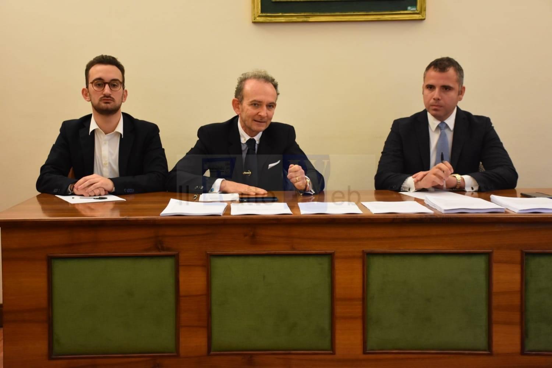 """""""Io non taglio la democrazia"""": presentati i comitati per il """"no"""" al referendum del 29 marzo"""