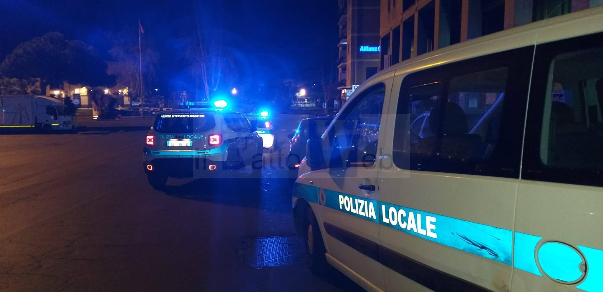 Coronavirus, controlli serrati della Polizia Municipale negli esercizi commerciali