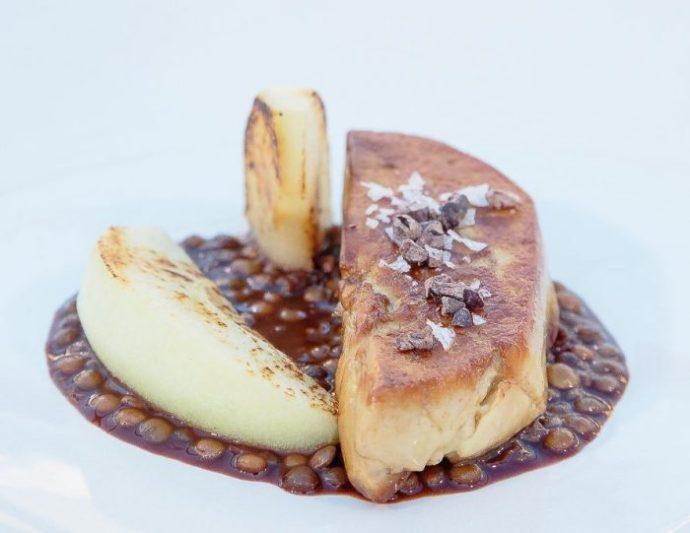 Foie gras, lenticchie, cioccolato e mela verde