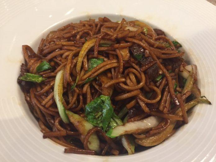 spaghetti pine & apple - ph. Il Forchettiere