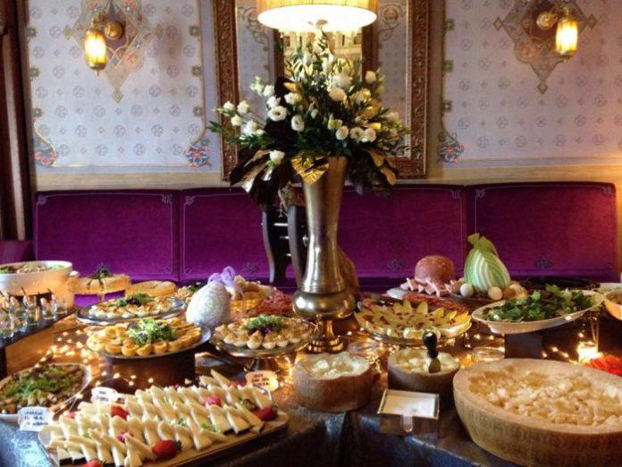 villa cora_brunch_buffet_2 brunch domenicali