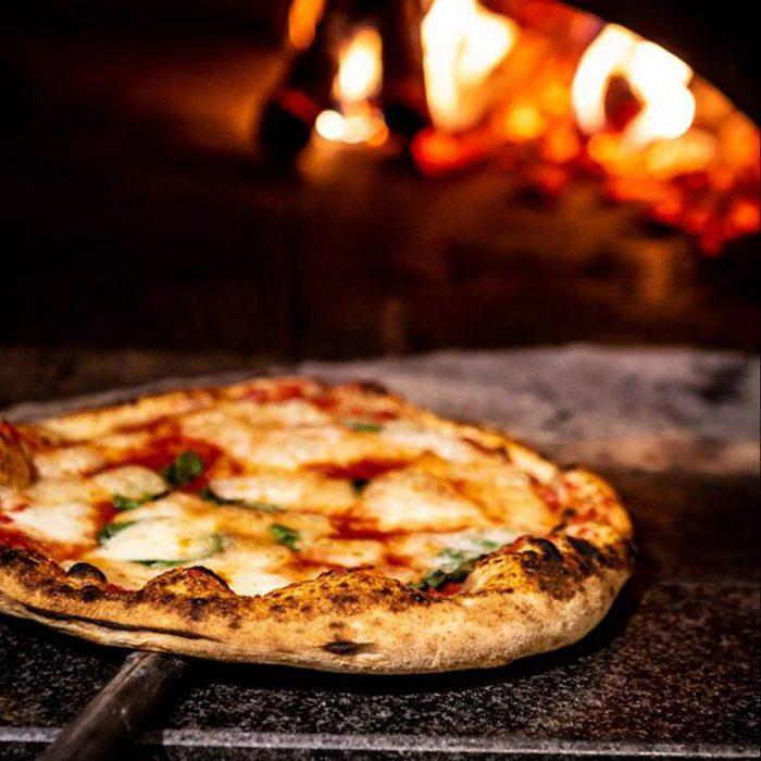 Guide La Pizza Toscana Divide Gambero Ed Espresso Nella
