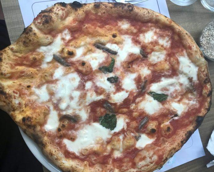 Pizza, cozze & babà