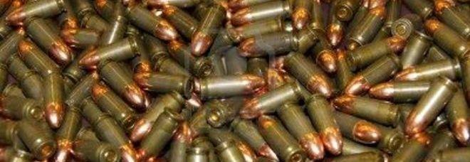 Nasconde in casa 30 chili di proiettili della Seconda Guerra Mondiale
