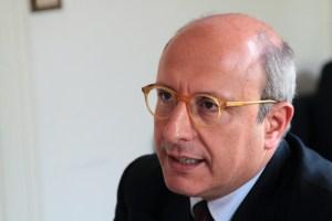 Armao Cor Comitato delle Regioni UE L'assessore all'Economia Gaetano Armao e l'assessore alla Salute Ruggero Razza hanno presentato la nuova Agenda digitale. Fondi per 411 milioni di euro