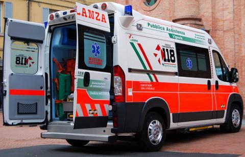Un bambino di 2 anni è rimasto schiacciato dal televisore a Partinico, in provincia di Palermo. Il piccolo è stato ricoverato al Civico in neurochirurgia
