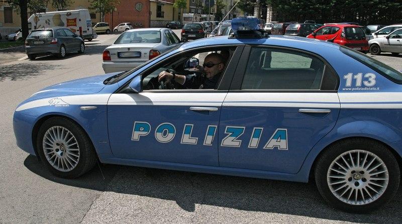 Due uomini sono stati arrestati dalla Polizia di Catania: trasportavano in auto tre chili di cocaina. La droga fiutata dai cani Sky e Jagus