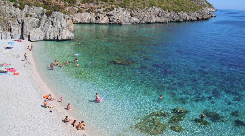Zingarate.com ha pubblicato un video con le spiagge più belle della Sicilia da visitare nel corso dell'estate 2018: da Cala Rossa a Calamosche ecco il video delle spiagge più belle Spiaggia Tonnarella dell'Uzzo