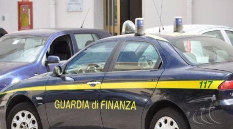 Ha continuato a incassare la pensione della madre nonostante la donna fosse morta da otto anni. La Guardia di Finanza ha sequestrato 32 mila euro a un pregiudicato palermitano